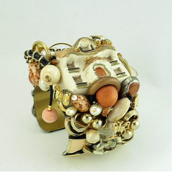 Cozy English Cottage Cuff II