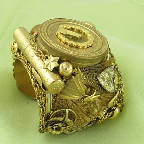 Compact Lipstick Historical Golden Couture Cuff