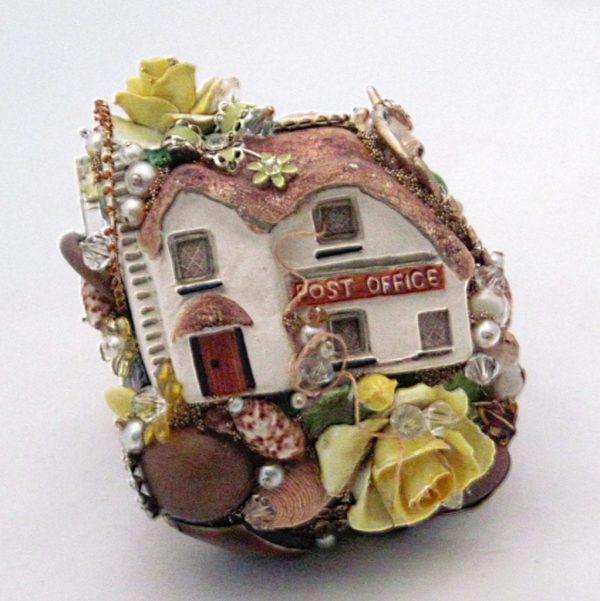 English Cottage Post Office Cuff