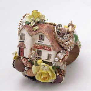 English Cottage Post Office Cuff